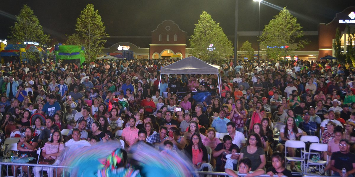 Huge Crowd Turned Out for Fiestas Patrias 2018